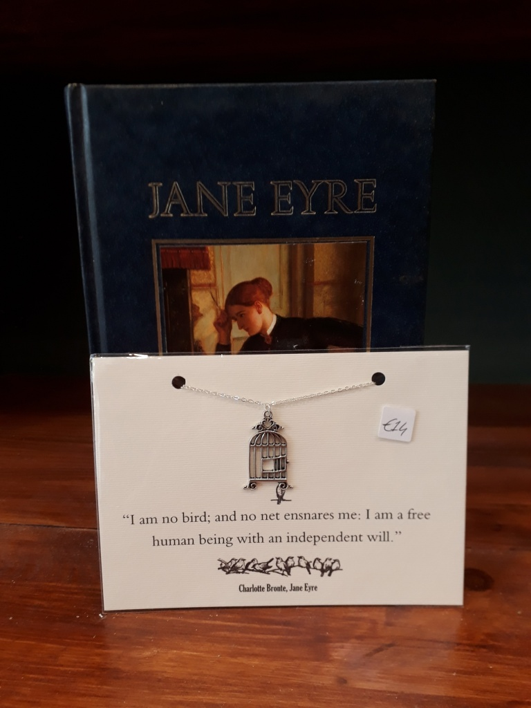 Jane Eyre birdcage necklace. Silver plated necklace, silver coloured charm  14 euro