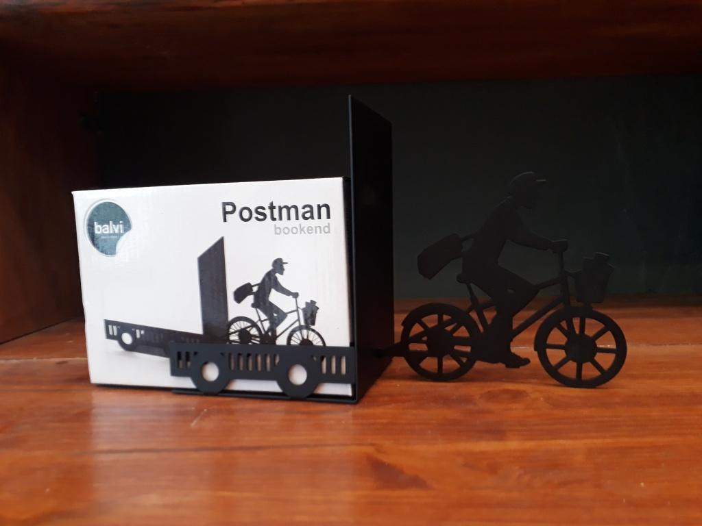 Postman single bookend. Black metal 12 euro